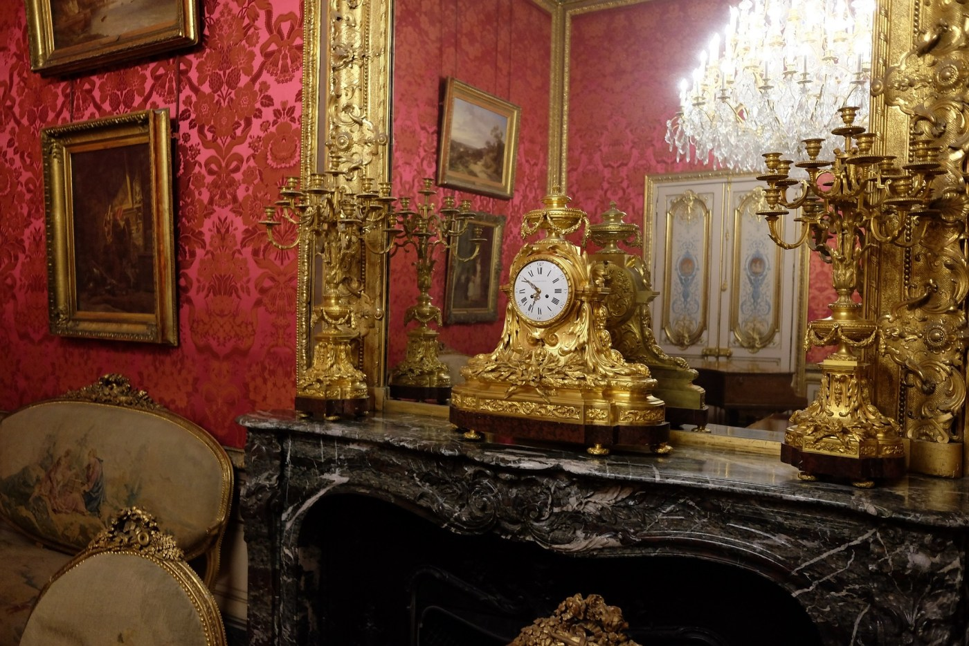 Clock in the Palace of Versailles