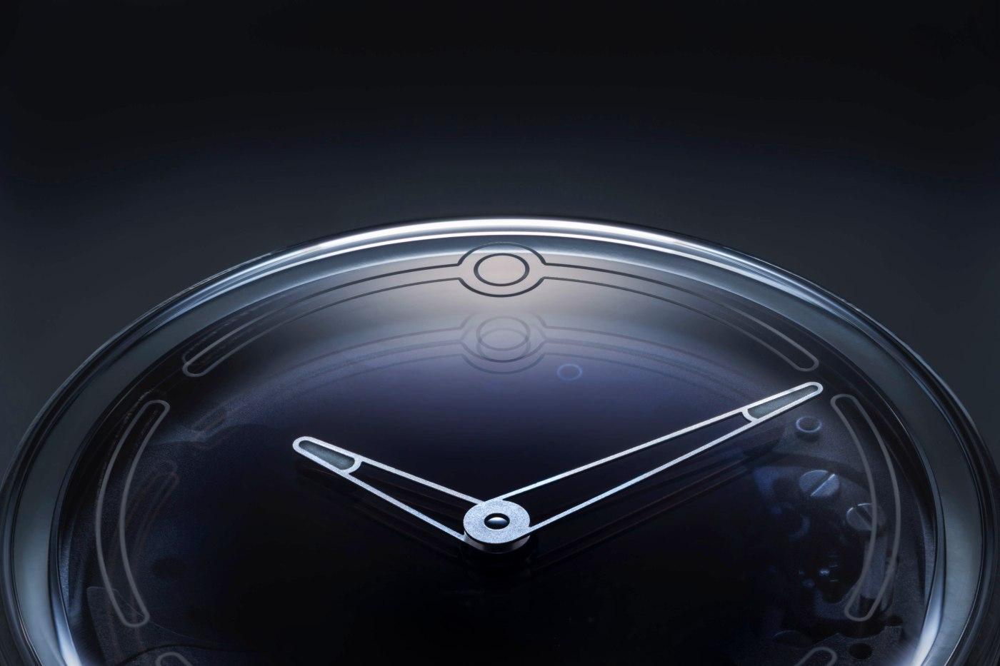 Ming 19.01 watch close-up