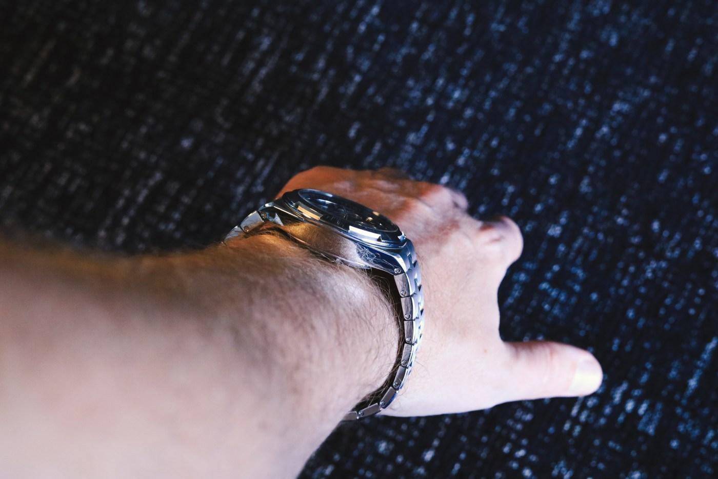 Vacheron Constantin Overseas Chronograph Reverse Panda wristshot indoors caseflank