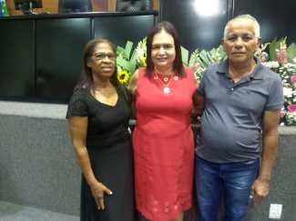 Com os pais da companheira Jocilene do Sintep-MT. Jô infelizmente nos deixou. Sua mãe recebeu a homenagem dedicada a ela.