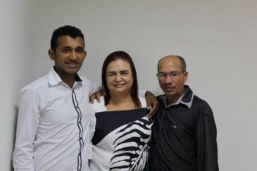 A deputada federal Professora Rosa Neide (PT) se reuniu com o vereador por Porto Alegre do Norte, Alex Gomes (PT) e com o representante dos Pequenos Agricultores do município, Deusimar do Santos.