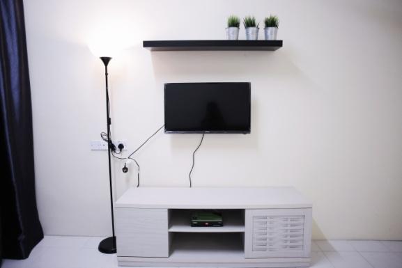 living-room-at-arau-idaman-homestay-2