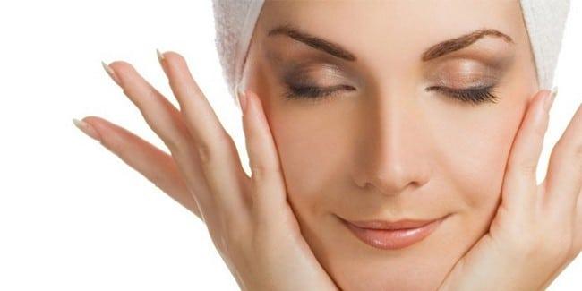 pencuci muka untuk kulit kering