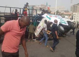 Many Injured As Truck Conveying PDP Protesters In Abuja Tumbles
