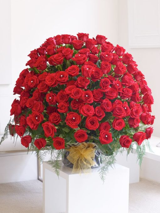 150 red rose flowers