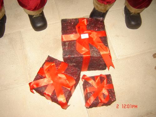 3 Cubos decorativos com laço Preto/vermelho