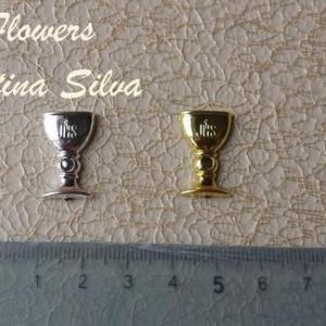 Calice em plastico dourado/prateado 2cm