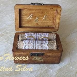 Porta alianças em caixa de madeira Vintage