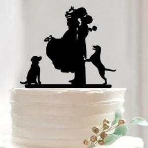 Topo bolo silhueta noivos com 2 cães. Aprox. 13cm
