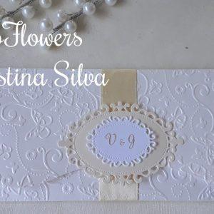 Convite em papel texturado com recorte 1