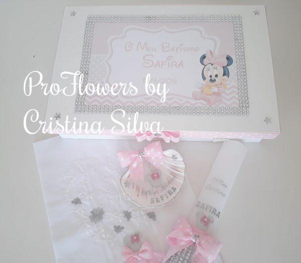 Caixa de madeira personalizada com toalha, vela e concha Disney 1