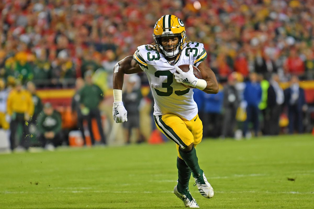 Aaron Jones re-signs with Packers