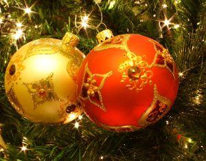 Pro-G Créa - Décoration de Noël - Déco pour l'hiver - Déco neige artificielle - Déco flocon de neige Noël - Déco ski Noël - Déco traineaux bois Noël - Déco couronne de sapin Noël - Déco bonhomme de neige Noël - Déco boule de neige Noël - Déco lumineuses de Noël - Déco guirlandes de Noël - Déco étoiles de Noël - Déco sapin artificiel de Noël - Déco sapins lumineux Noël - Déco boules de Noël - Déco rideaux lumineux Noël - Déco décors de Noël - Déco bandeau ou bannière de Noël