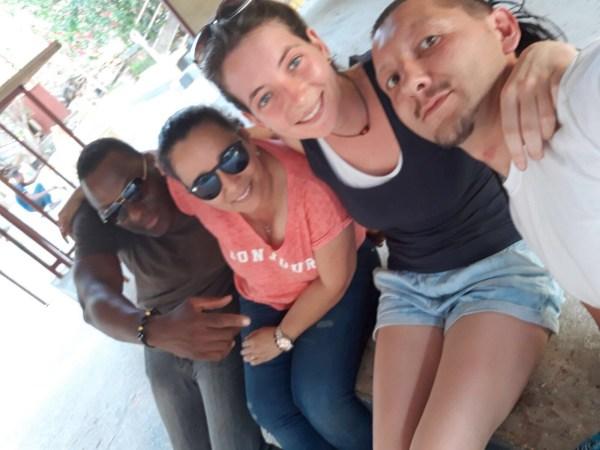 Selfie fatto da Nicola, nella foto ci sono Nicole altre due persone native del luogo