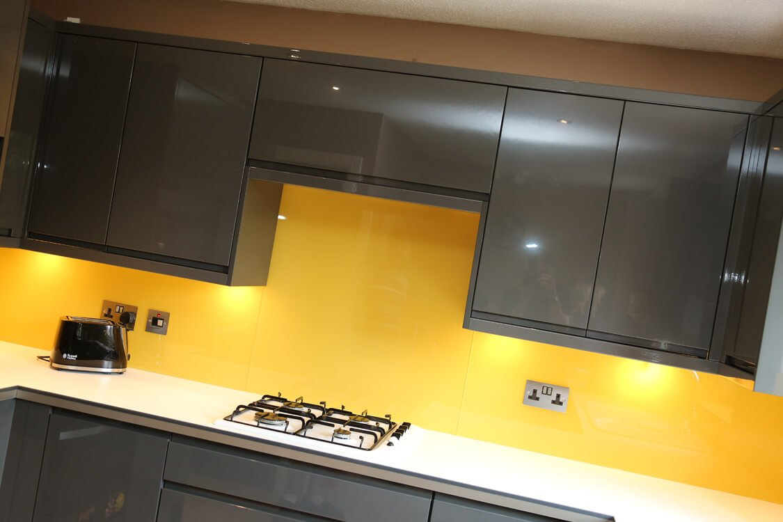 Glass Splashback Coloured In Farrow Amp Ball Babouche No223