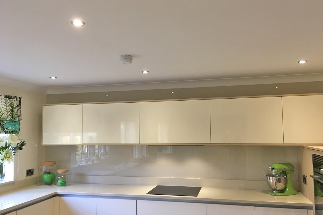 Farrow  Ball Joas White No226 Glass Splashback  Glass