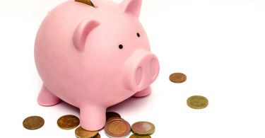 Ways to manage money for retired individuals