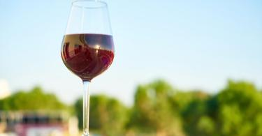 11 Peculiar Ways on how to Use Wine Aside From Drinking
