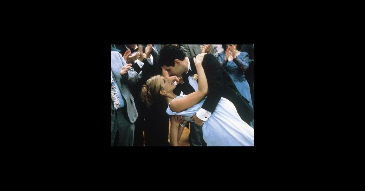 L'Objet De Mon Affection (1997). un film de Nicholas Hytner   Premiere.fr   news. date de sortie. critique. bande-annonce. VO. VF. VOST. streaming ...