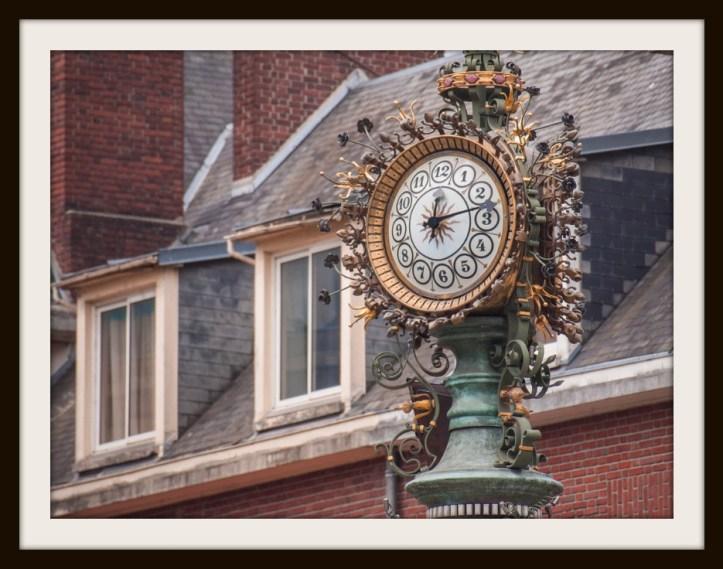 clock b.jpg