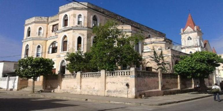 Cuba devuelve propiedades religiosas