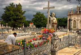 Rondando la tumba de La Milagrosa