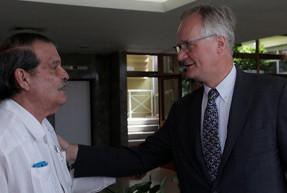 """Unión Europea: """"No podemos, no queremos imponer un modelo a Cuba"""""""
