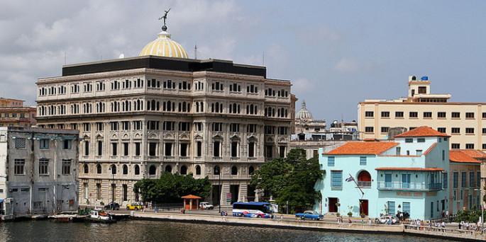 Las empresas deberían considerar hacer negocios en Cuba