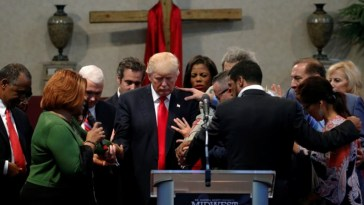 Evangelicals pray with Trump