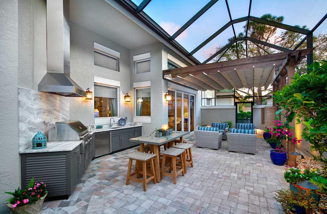 8 outdoor kitchen design trends for