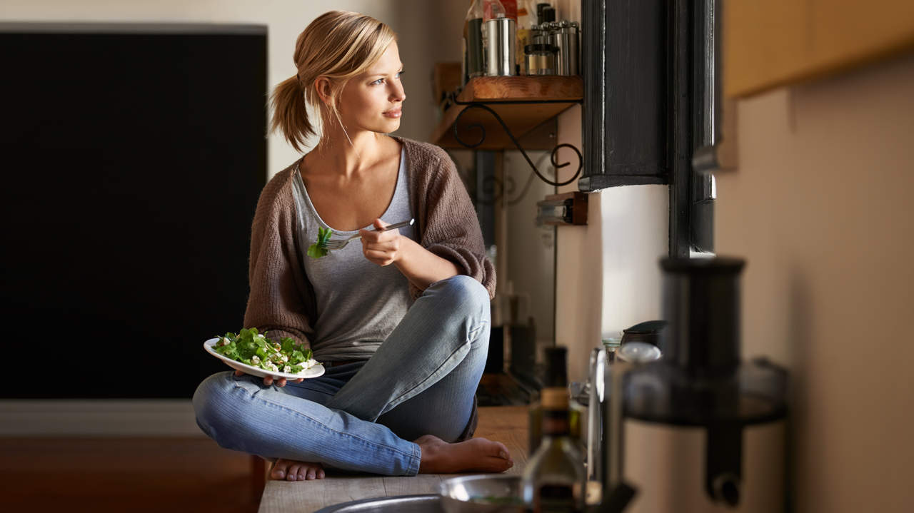 The Mindful Eating Hack That Helped Me Stop Obsessing About Food