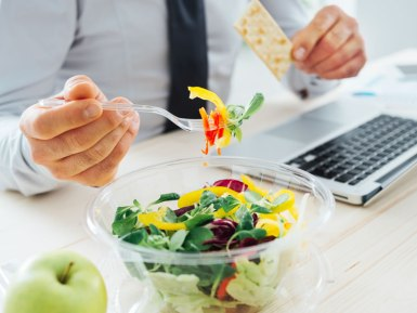 5 Food You Mustn't Eat At Work