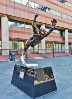 10 Facts about Bobby Orr | Fact File