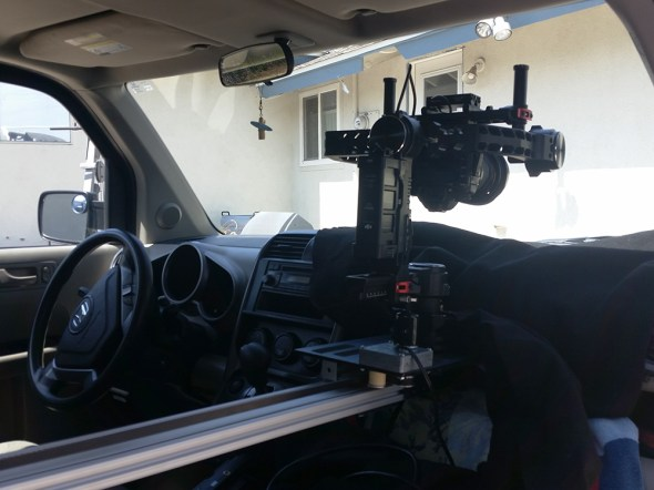 SLIDER AND RONIN IN CAR MOUNT