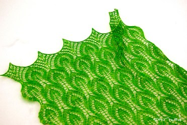 http://www.ravelry.com/patterns/library/spring-leaves-4