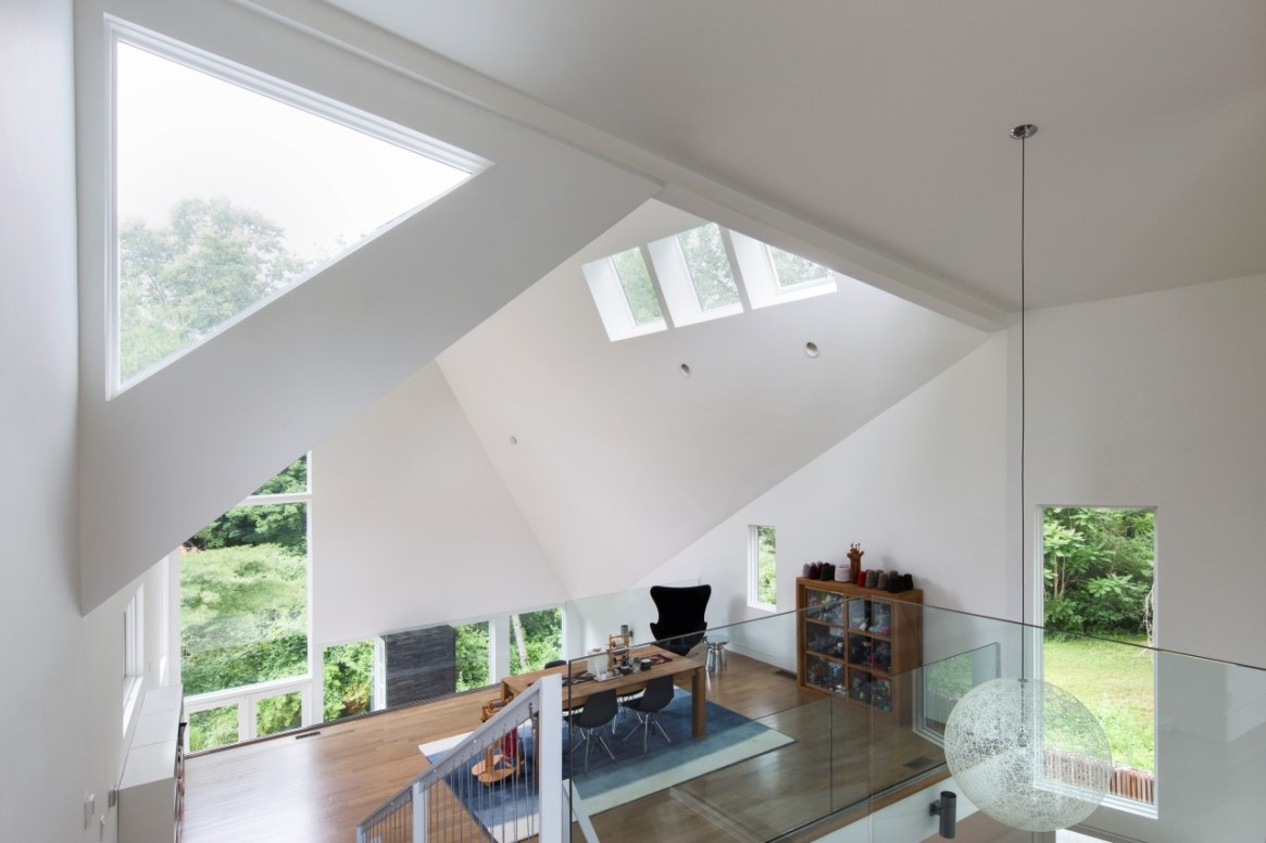 Tung House interior