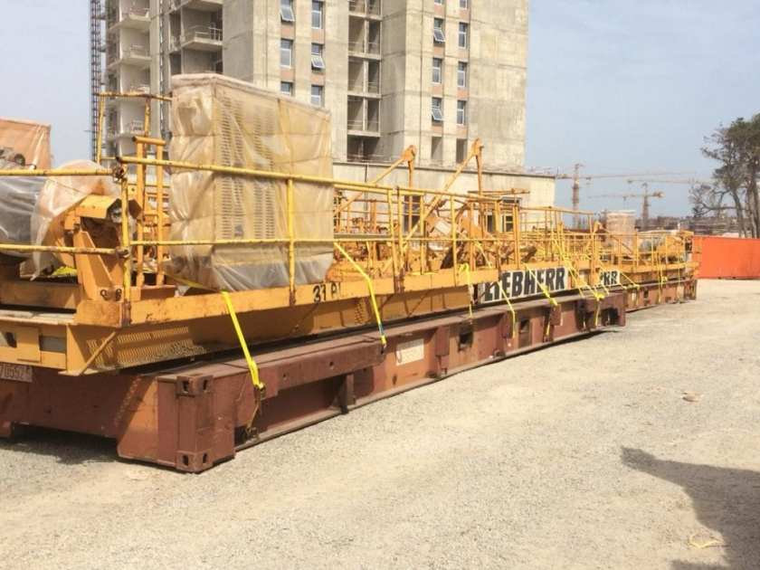Professional Lashing of heavy equipments