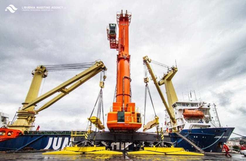 LHM 400 crane