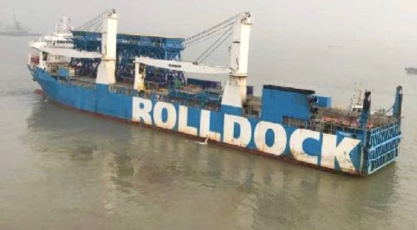 """The """"Rolldock Sun"""" left China this weekend with four hoppers on deck, destination is East Africa."""