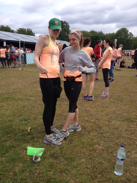 Erin and Katie show us the Stateside way of attaching trainer tags- e.g. INCORRECTLY, hahaha!