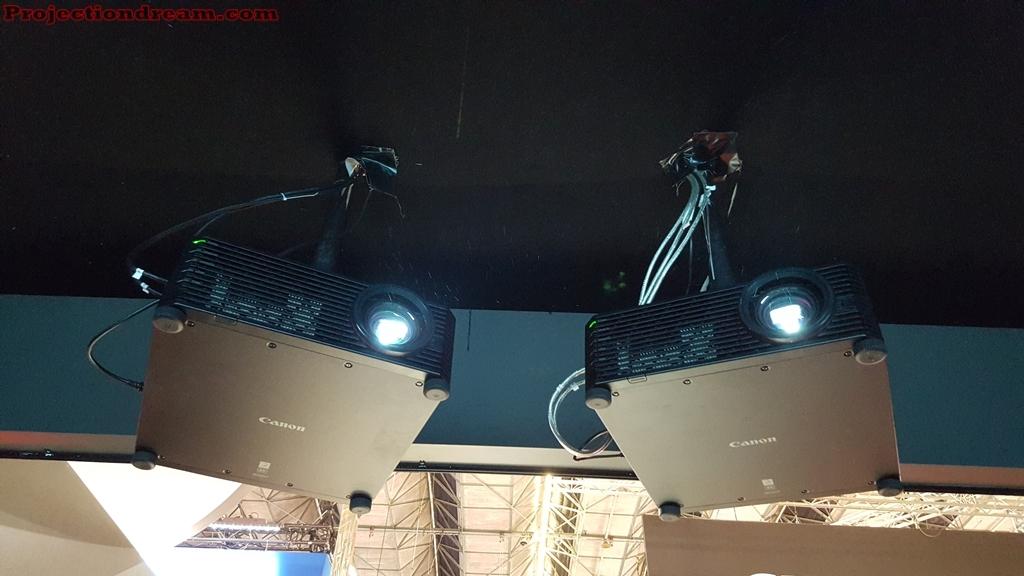 Canon dual projectors