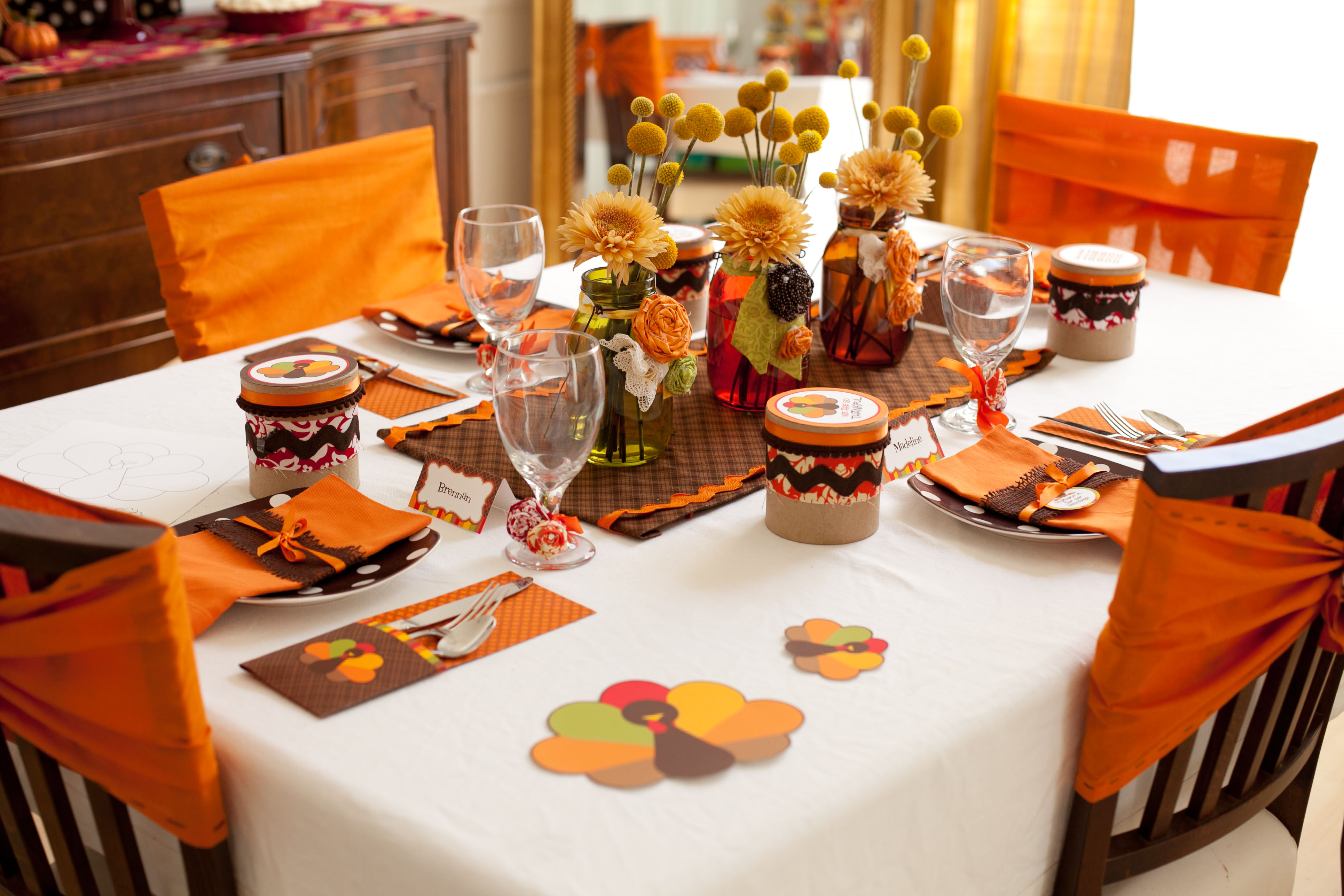 Party Reveal KidFriendly Thanksgiving Table