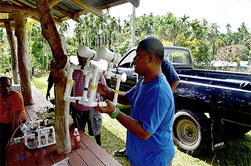 bentprop teaching palau students about rovs