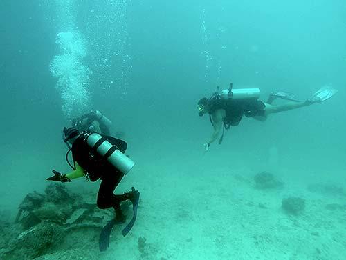 diving in palau with bentprop