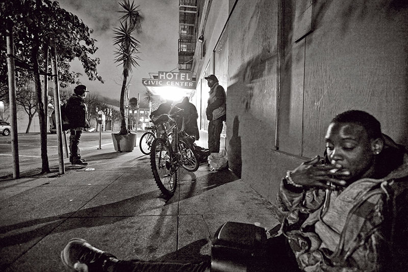 Znalezione obrazy dla zapytania street photography homelessness
