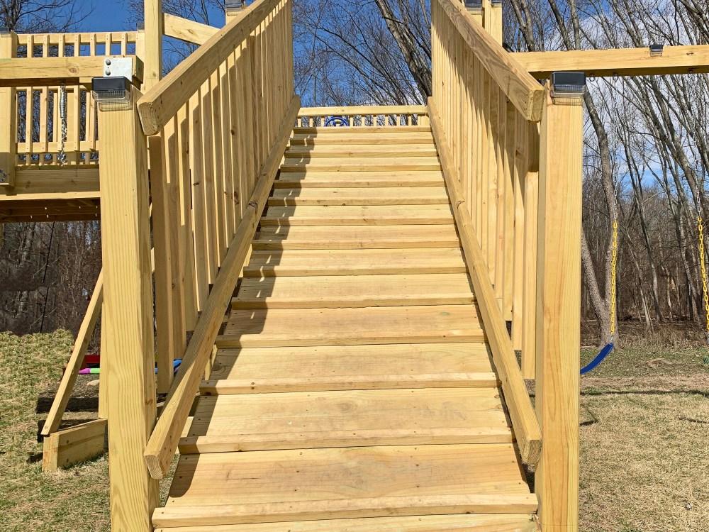Step ramp on a playground