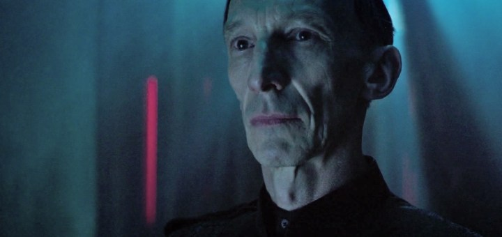 Julian Richings as Adviser to the Witness - 12 Monkeys