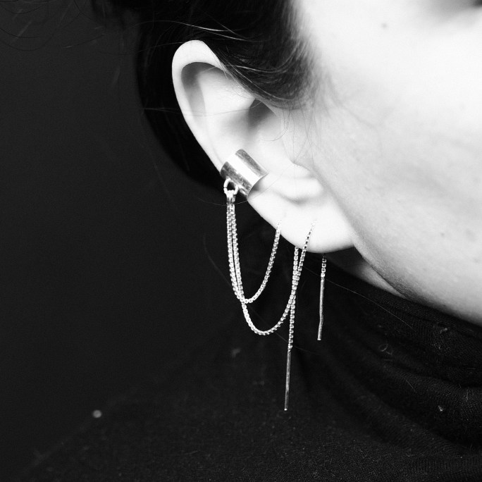 Edgy cuff earring with chains