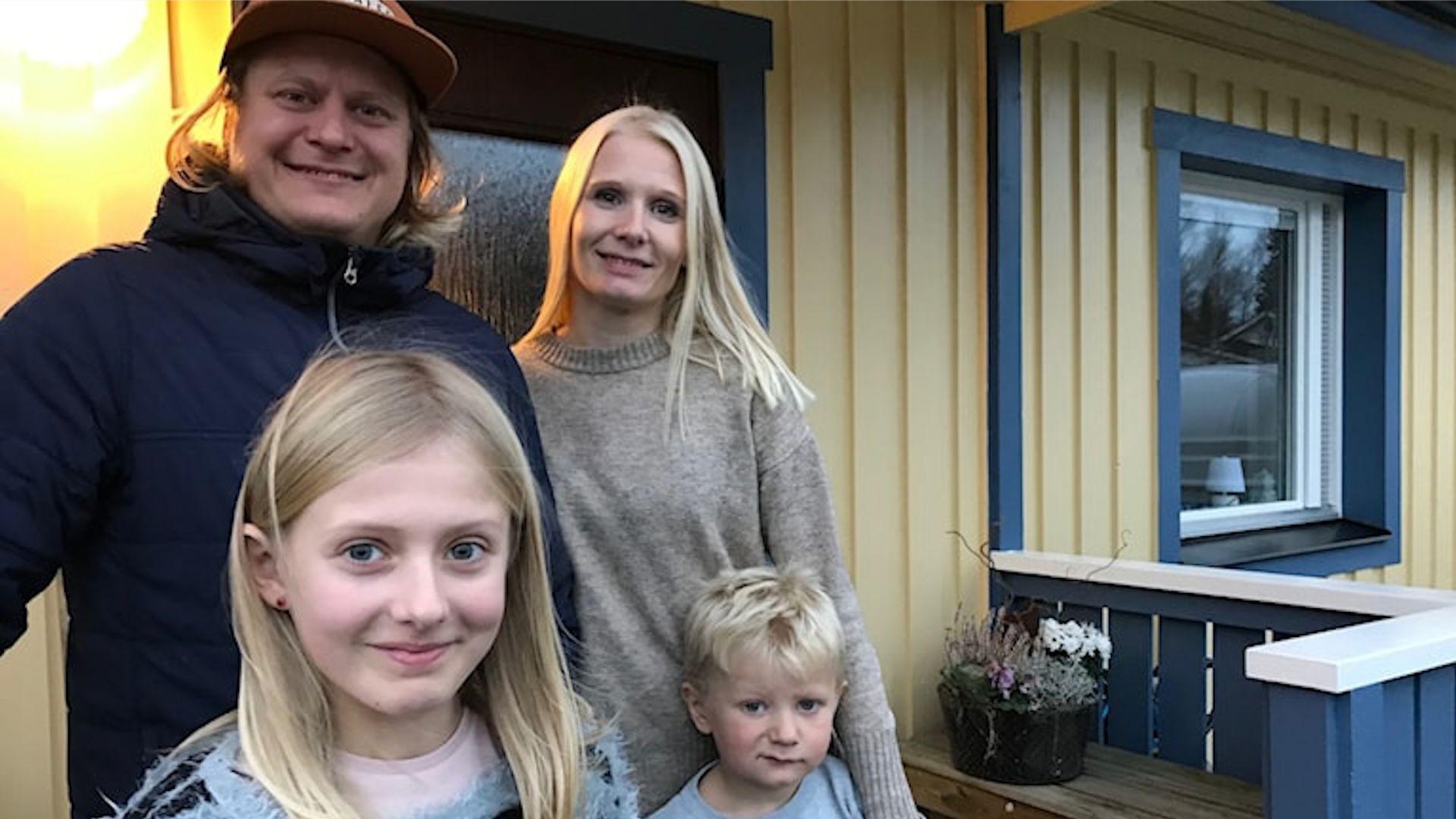 Inflyttare till Kaxås - Linda Norén, Martin Jarske och barnen Ebba och Alvin (Kevin inte med på bild). Foto © Elin Turpeinen/Sveriges Radio