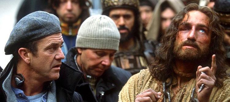 Mel Gibson regizând Passion of the Christ (Sursa: MelGibsonSite)